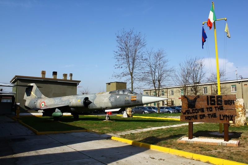 Aeroporto Ghedi : Base aerea ghedi ° club frecce tricolori bassano del